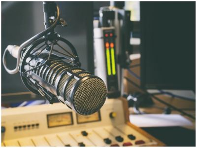 Leer más: Radio Lola - Entre Costuras